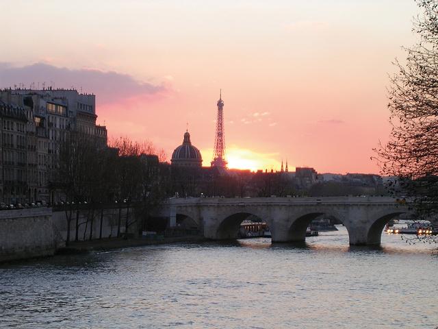 À Paris, 61% des résidences principales ont été construites avant 1948