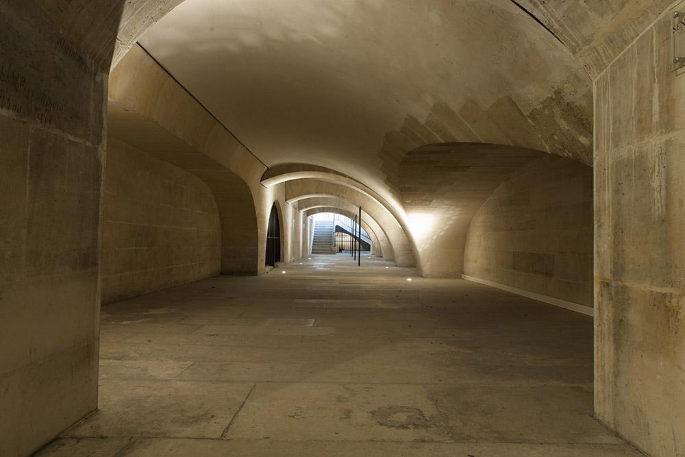 Pantheon-galeries-d-acces-aux-tribunes-Benjamin-Gavaudo-Centre-des-monuments-nationaux